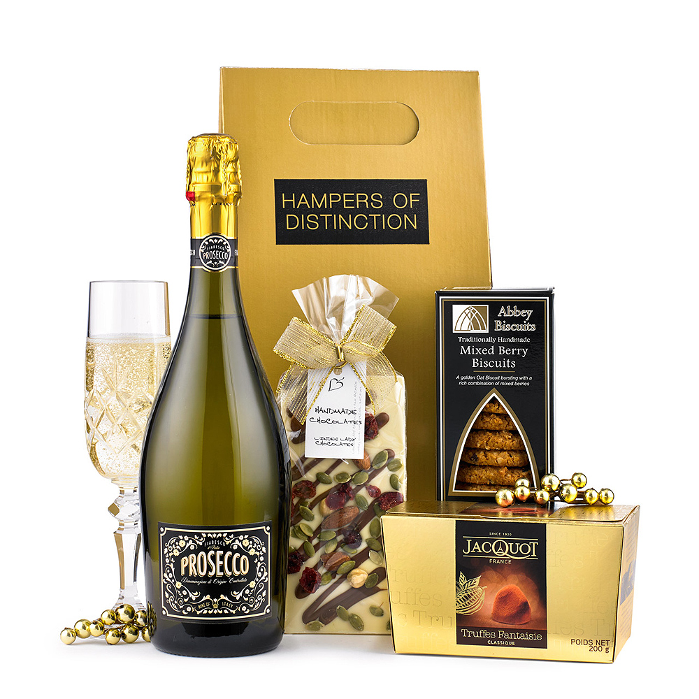 Enjoy a relaxing evening with a selection of life's little luxuries in the form of this indulgent gift box. <br /><br /> 